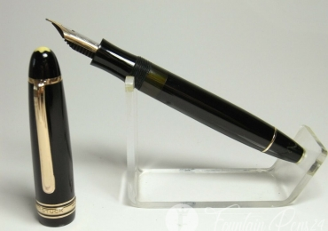 1950's MONTBLANC 146 MEISTERSTÜCK fountain pen 14ct flexy OM nib GOOD condition