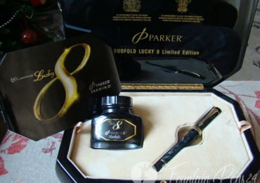 PARKER DUOFOLD LUCKY 8 LIMITED EDITION FOUNTAIN PEN