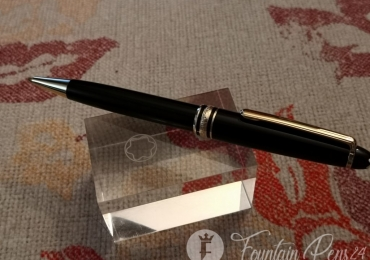 Montblanc Meisterstück Classique Black & Gold Ballpoint Pen bolígrafo