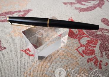Montblanc black vintage fountain pen 585 nib gold ESTILOGRAFICA