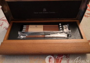 SOLD !!!      .Graf von Faber-Castell Perfect Desk Pencil Set – Brown Lapiz Lapicero