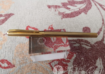 Montblanc Noblesse Oblige gold fountain pen