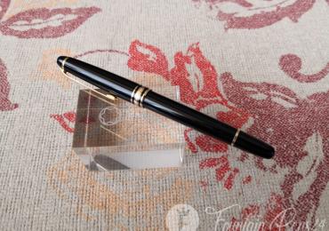 Montblanc Meisterstück classique rollerball pen