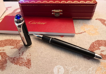 SOLD !!!!     . CARTIER ROADSTER ROLLERBALL PEN BLACK RESIN  PLATINUM Roler Rotulador