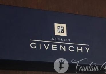 Givenchy box caja vacía y papeles