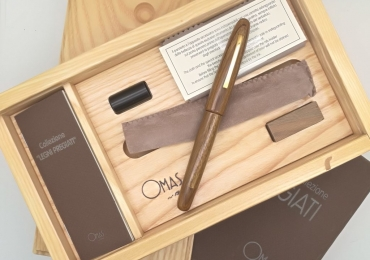 Omas Legni Pregiati (Precious Wood) Lignum Vitae Fountain Pen Limited edition 50