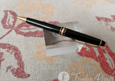 Montblanc Classic Ballpoint Pen black and gold Boligrafo